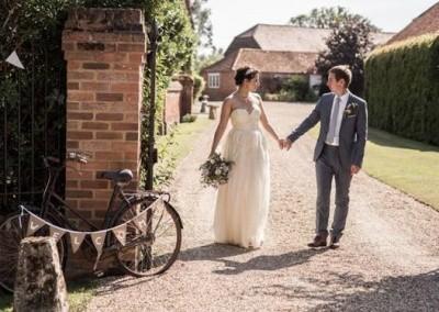 Couple near gate